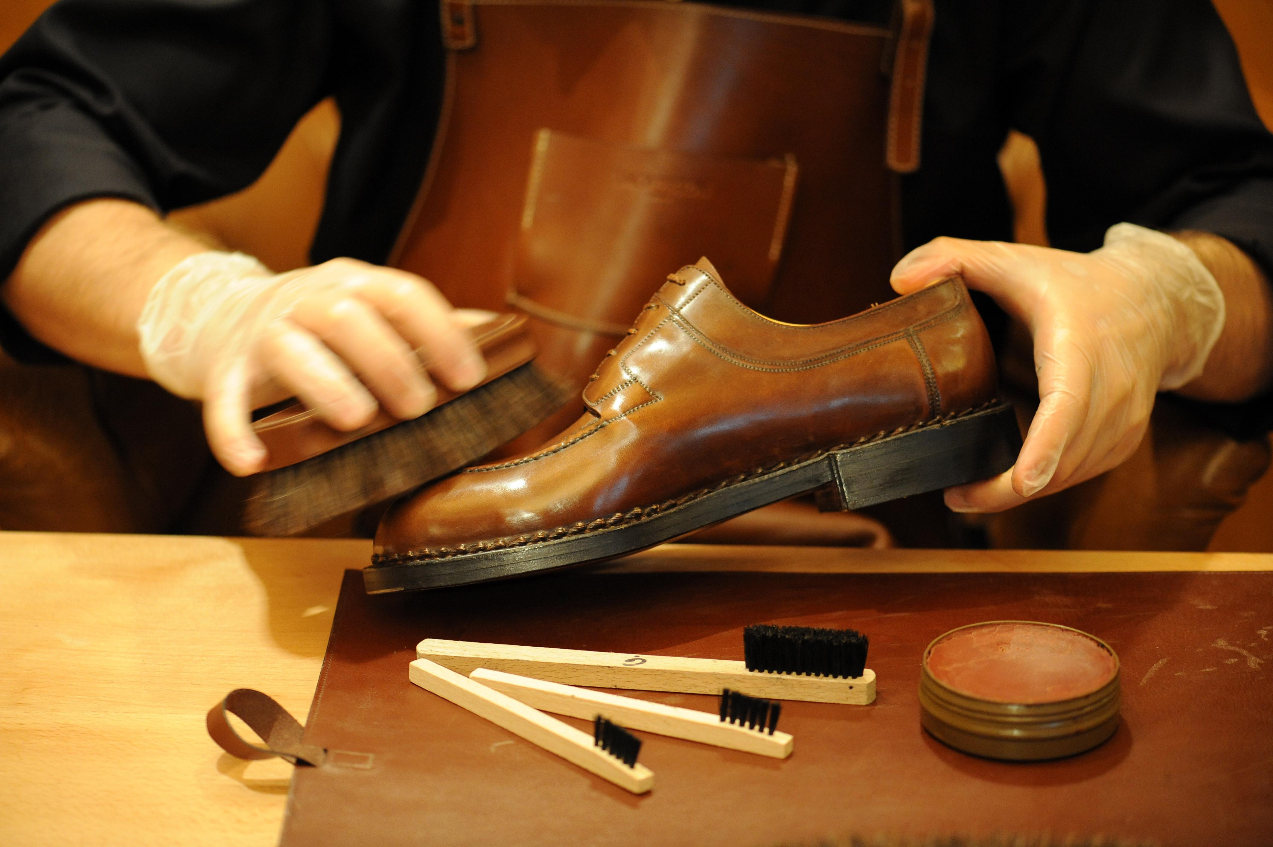 Jak czyścić buty ze skóry?